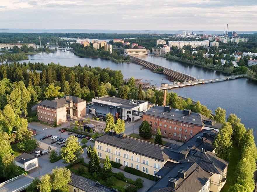 Lasaretinsaari Island and Oulujoki River from above.